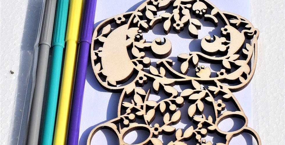 Houten olifant gelaserd + envelop + 4 random stiften