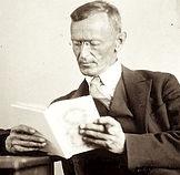 Hermann_Hesse_1927_Photo_Gret_Widmann.jp