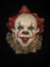 clown sculpture of pennywise the dancing clown