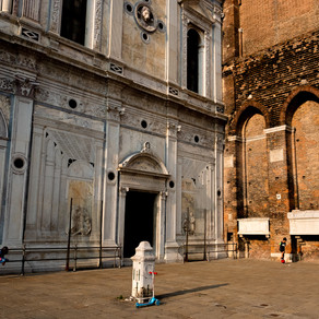 Children in the Courtyard, Venice