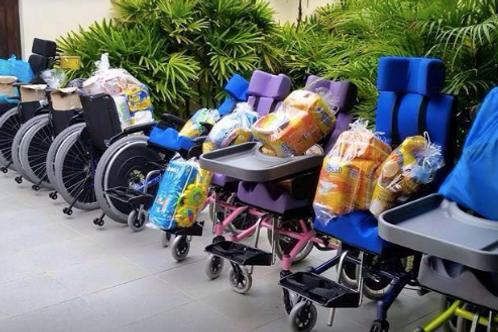 Parte de uma Cadeira de Rodas  :: ONG One By One - Festa da Maysa