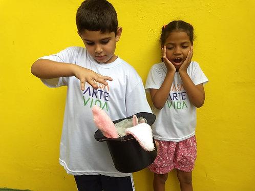 Apresentação de mágico para as crianças: ONG Casa Arte Vida