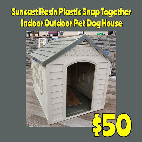 Suncast Resin Plastic Snap Together Indoor Outdoor Pet Dog House