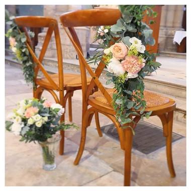 Décoration chaise des mariés bouquet à l