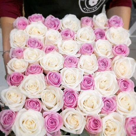 Maxi coffret-fleurs du jour : 50 roses e