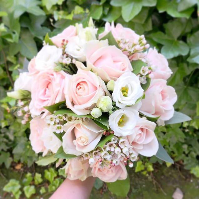 Bouquet de mariée rose poudré Atelier La