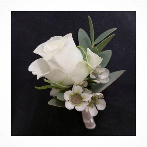 Boutonnière rose blanche wax Atelier Lavarenne