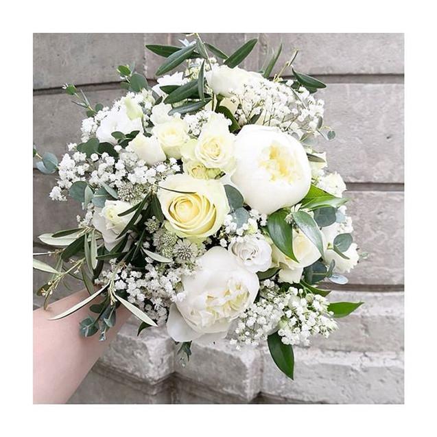 Vive la mariée 🎉👰🎉 Le bouquet blanc d