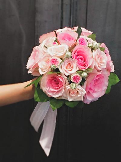 Bouquet de mariée rond rose Atelier Lava