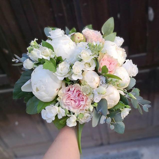 Bouquet de mariée blanc rose poudré Atel