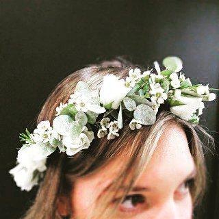 Couronne fleurs blanches Atelier Lavarenne