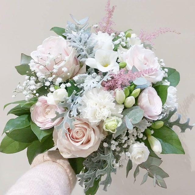 Bouquet de mariée rose poudré blanc Atel