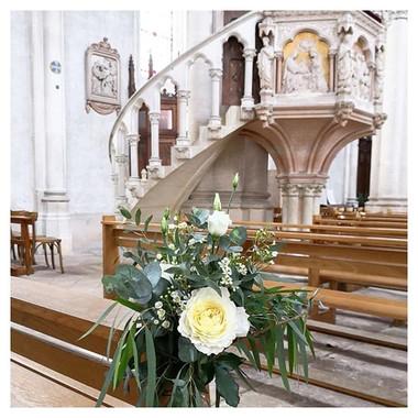 Bouquet bout de banc d'église