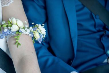 Bracelet de bras blanc bleu Atelier Lava