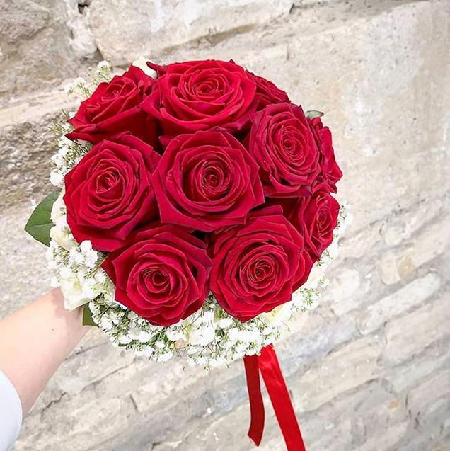 Bouquet de mariée roses rouges gypsophil