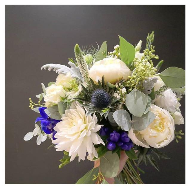 Bouquet de mariée ivoire bleu Atelier La