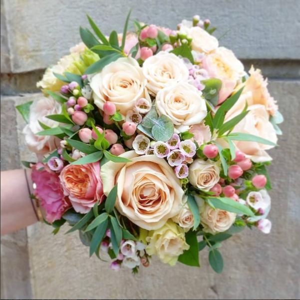 Bouquet de mariée rond rose pêche Atelie