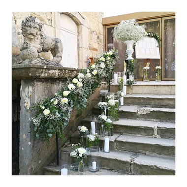 Escalier fleuri Château Chapeau Cornu At