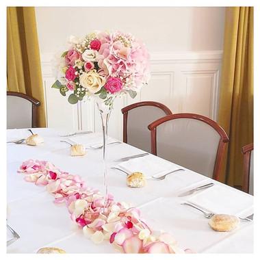 Composition rose coupe martini pétale de