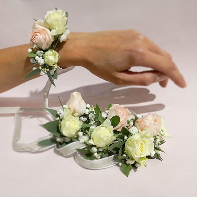 Bracelet fleuris blanc rose poudré Ateli