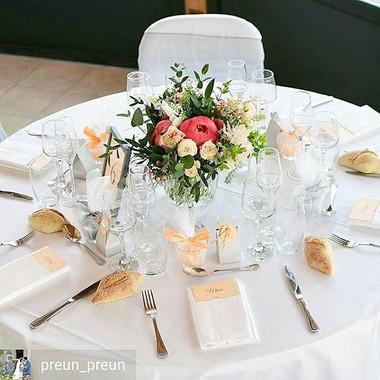 Centre de table pivoine corail mariage