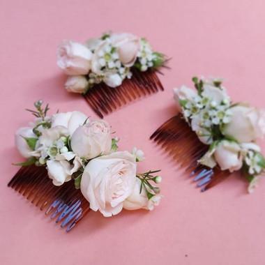 Peigne fleuri rose poudré Atelier Lavare