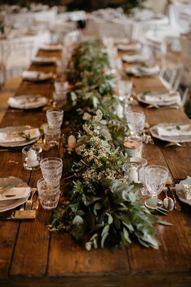 Guirlande chemin de table mariés eucalyp