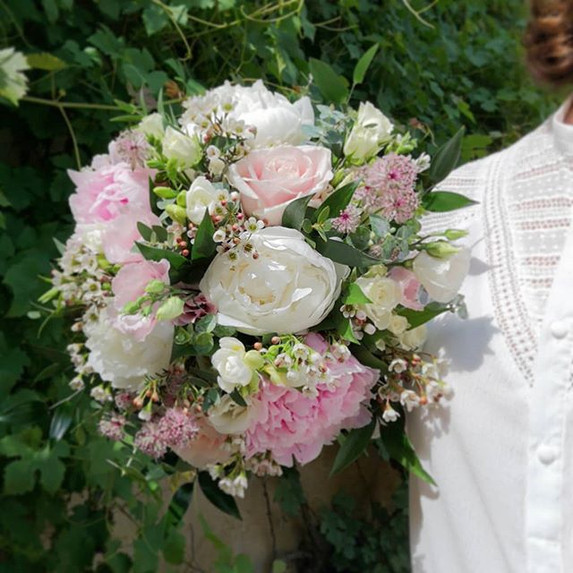 Bouquet blanc rose poudré pivoine Atelie