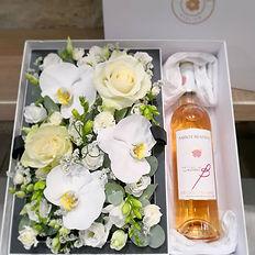 #fleurs & #vin 🌸 + 🍷_._._.jpg