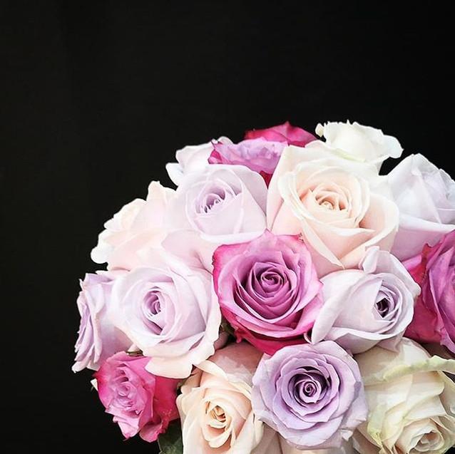 Bouquet_de_mariee_rond_Camaïeu_mauve_Ate