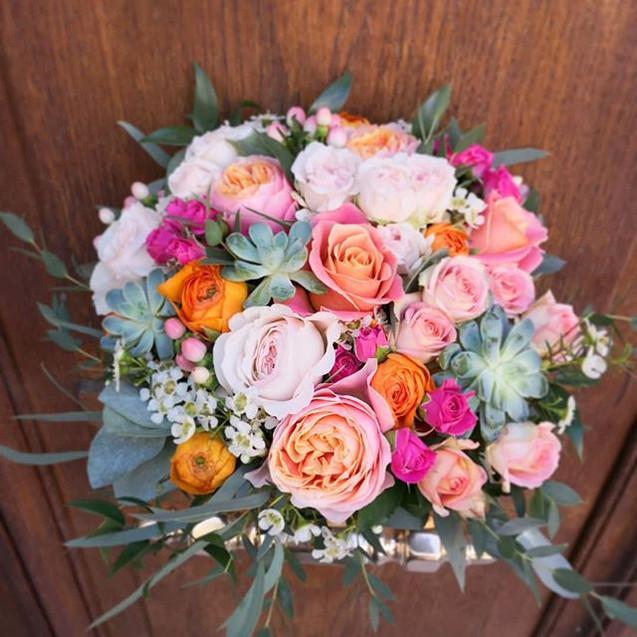 Bouquet-de-mariee-rond_rose-orange-Ateli