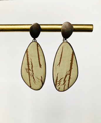 Picture agate wing earrings