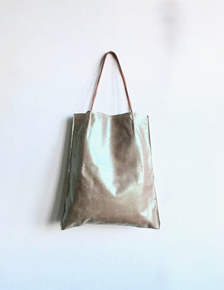 Donna hand made leather tote