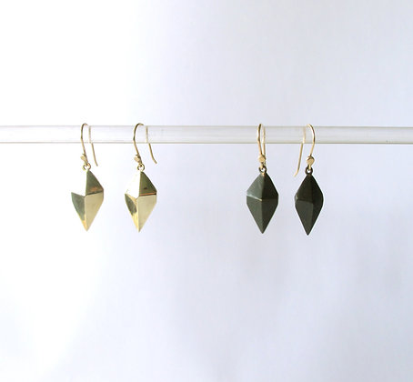 Kite earrings brass