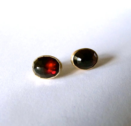 Faceted Garnet studs