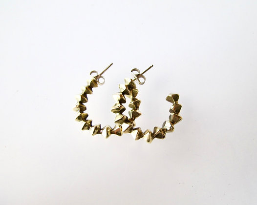 Faceted column hoops