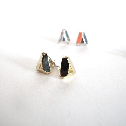 Faceted triangular studs