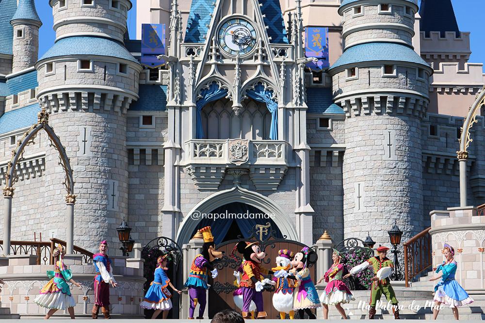 Disney com Criança Pequena