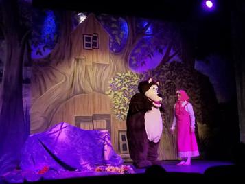 Teatro e Café da Manhã da Masha e o Urso