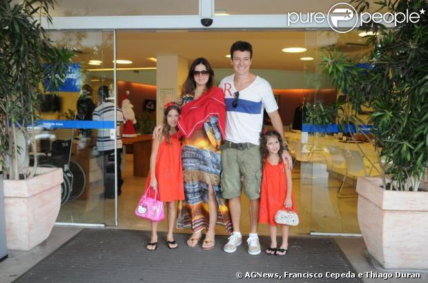 Saída Maternidade Vermelha Famosa Vera Viel