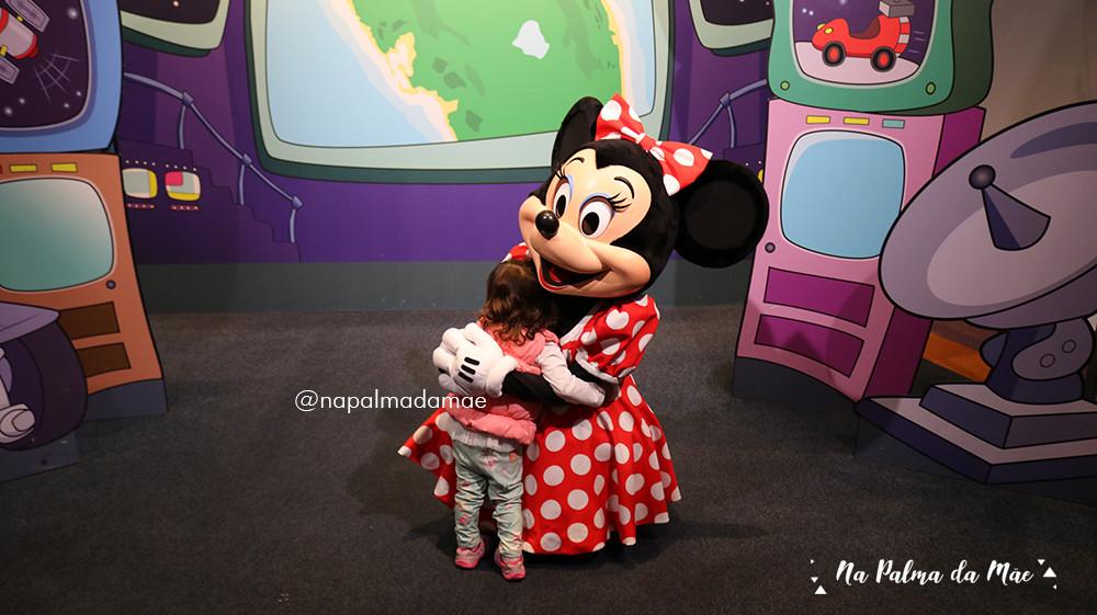 Disney com Bebês Abraço na Minnie