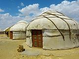 yurt-198584_1920.jpg
