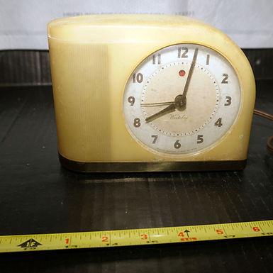 Art Deco 1940s Westclox Butterscotch Moonbeam Alarm Clock