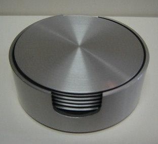 Onderzetters (mat r.v.s.; zachte onderkant); set van 6 in houder