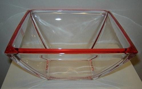 Corner schaal hoog rood; 23 x 23 x 11 h. cm