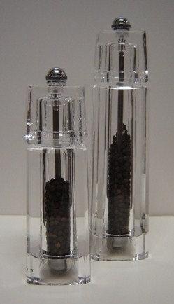 Peper- en zoutmolen 'Peugeot' (acryl; Chaumont); 16 cm