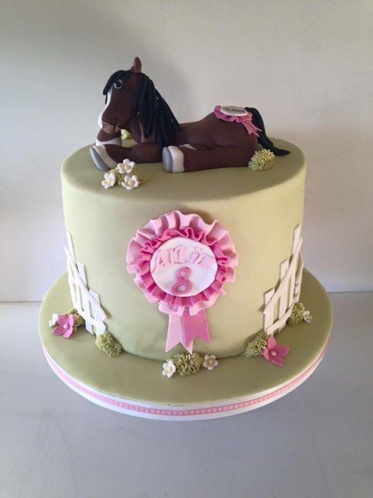 Neigh Neigh Horsey Cake
