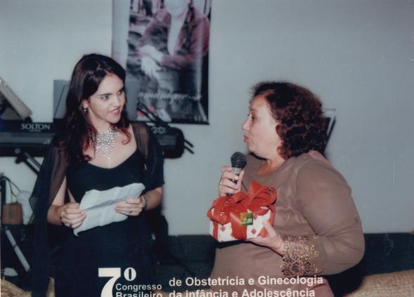 Sessão Solene de abertura: Dra. Albertina sendo homenageada