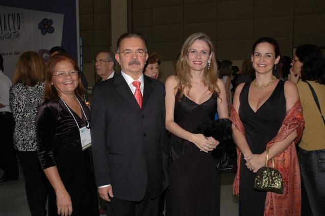 José Alcione com Jane, Virgínia e Ana Célia