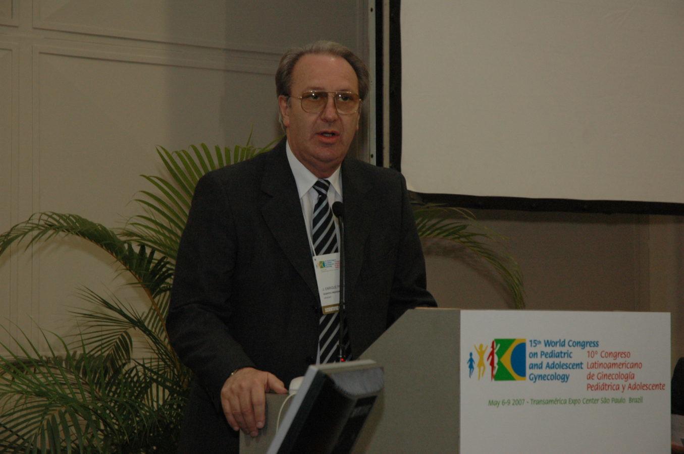 Enrique Pons - Vice-presidente dos congressos